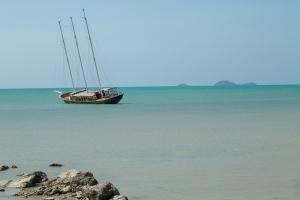 Barca in mezzo al mare